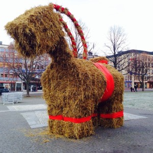 Every family has that idiot cousin who has to be invited to all the celebrations. This is Gävlebocken's. He should burn, too.